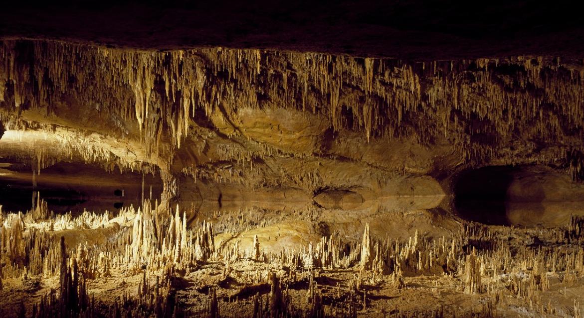 De grotten van Hotton